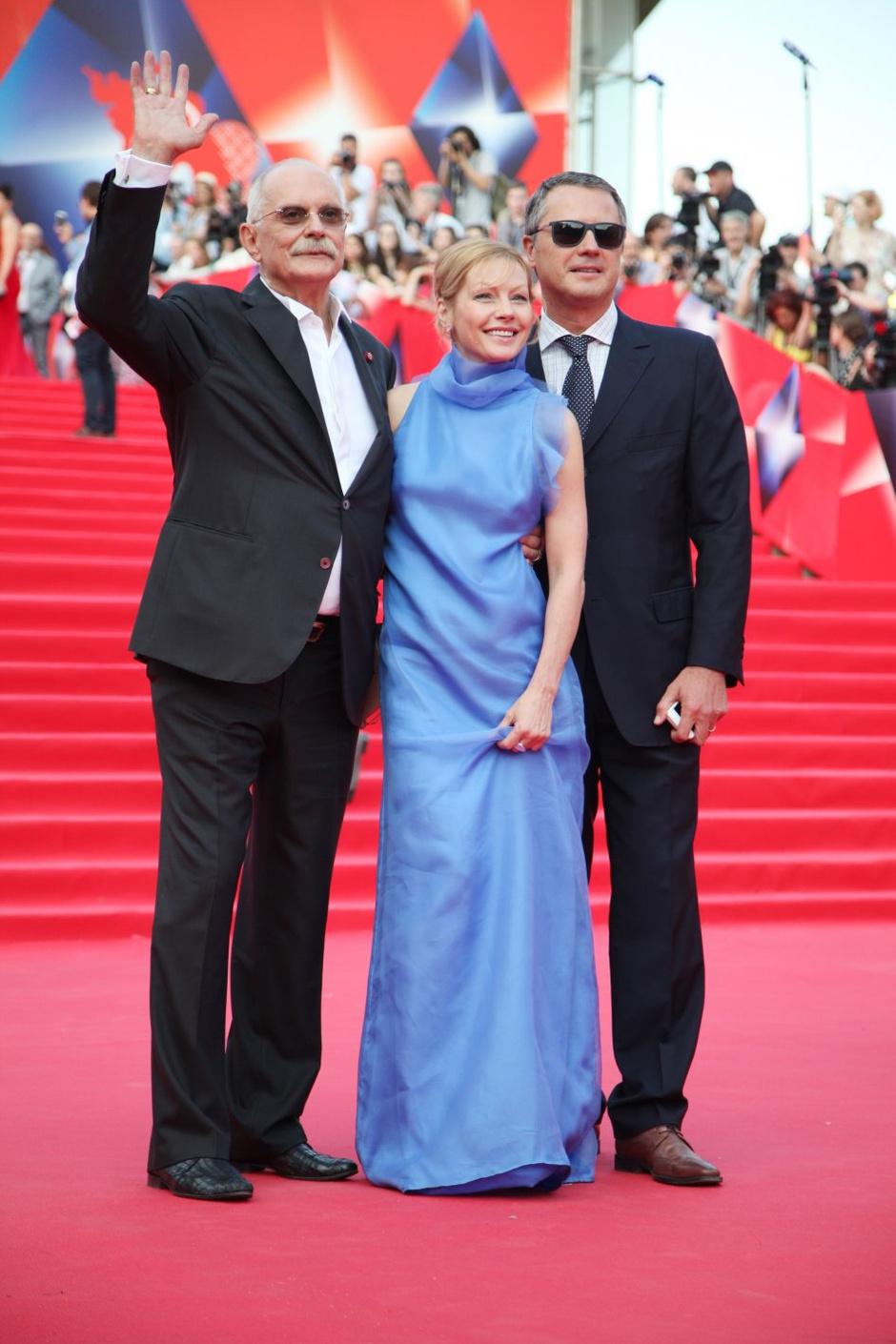 Никита Михалков и Алена Бабенко с супругом