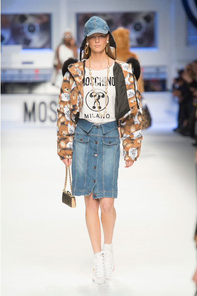 Показ Moschino на Неделе моды в Милане | галерея [4] фото [12]