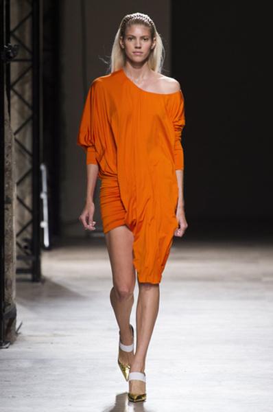 НУЖНЫЙ ТОН: Какие цвета и сочетания цветов в моде этим летом? | галерея [2] фото [9]