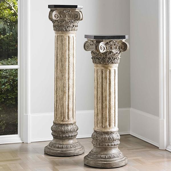 Пьедесталы в виду классических колонн, Ambella Home.