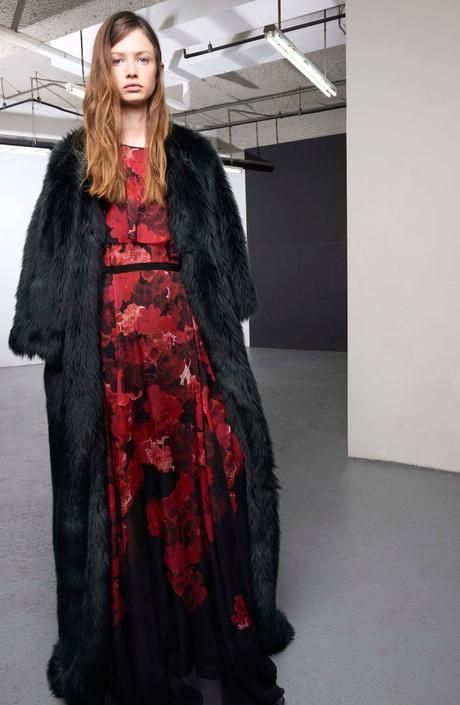 Бренд Giambattista Valli представил новую pre-fall коллекцию