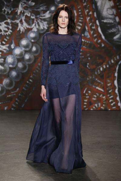 Самые роскошные вечерние платья Недели моды в Нью-Йорке | галерея [2] фото [15]