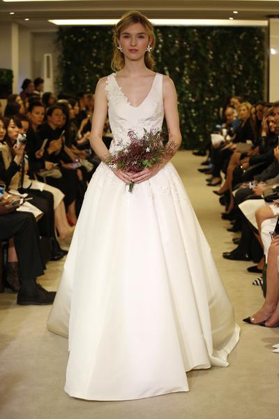 Показ Carolina Herrera на Неделе свадебной моды в Нью-Йорке | галерея [1] фото [5]