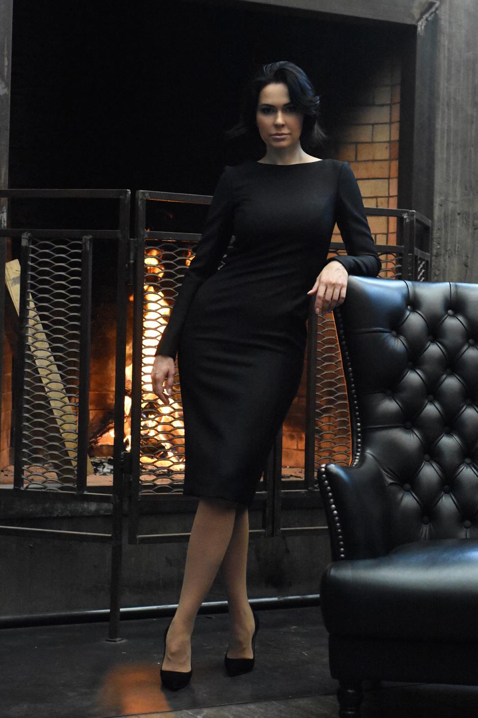 Платье Dior, лодочки Gucci
