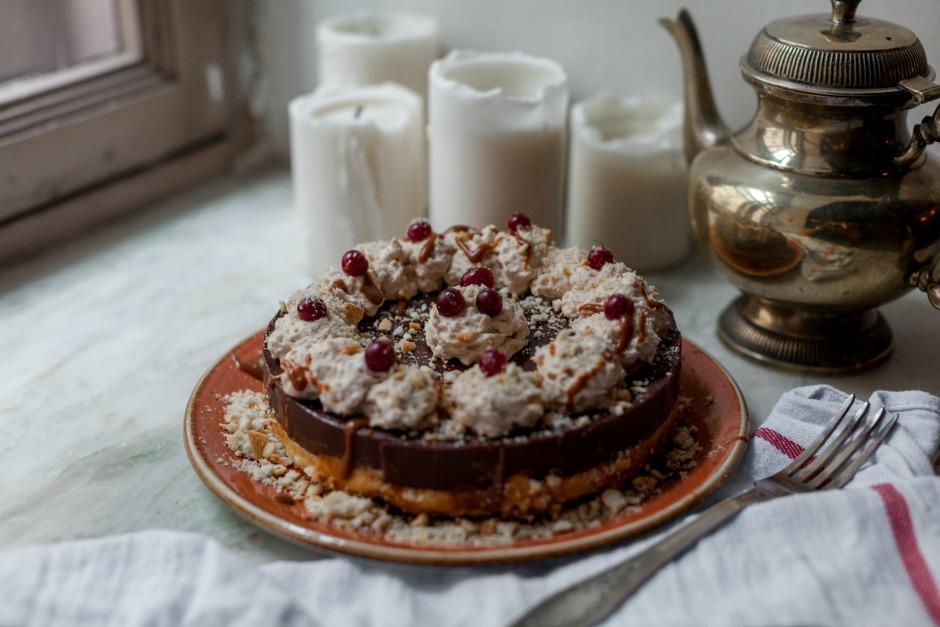 Шоколадный пирог с манкой