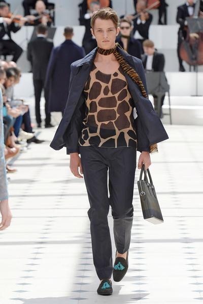 Показ Burberry Prorsum на Неделе мужской моды в Лондоне | галерея [2] фото [29]