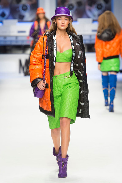 Показ Moschino на Неделе моды в Милане | галерея [2] фото [9]