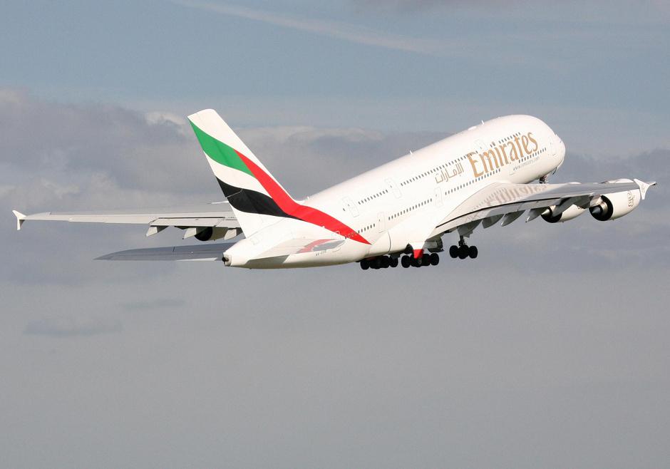 успеть больше: emirates запускает рейс а380 из дубая в бангкок