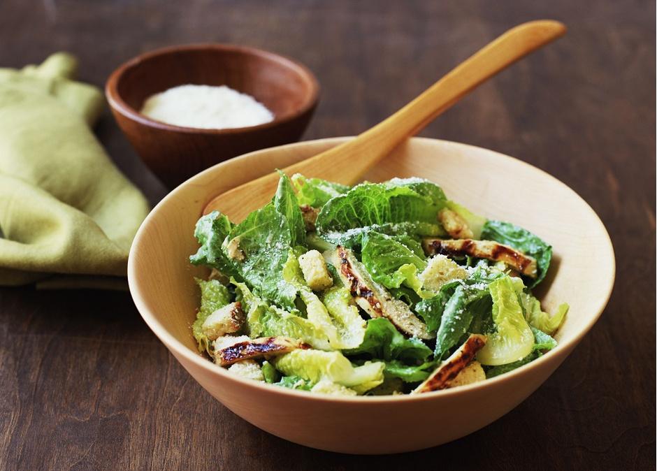 Теплый салат «Цезарь»