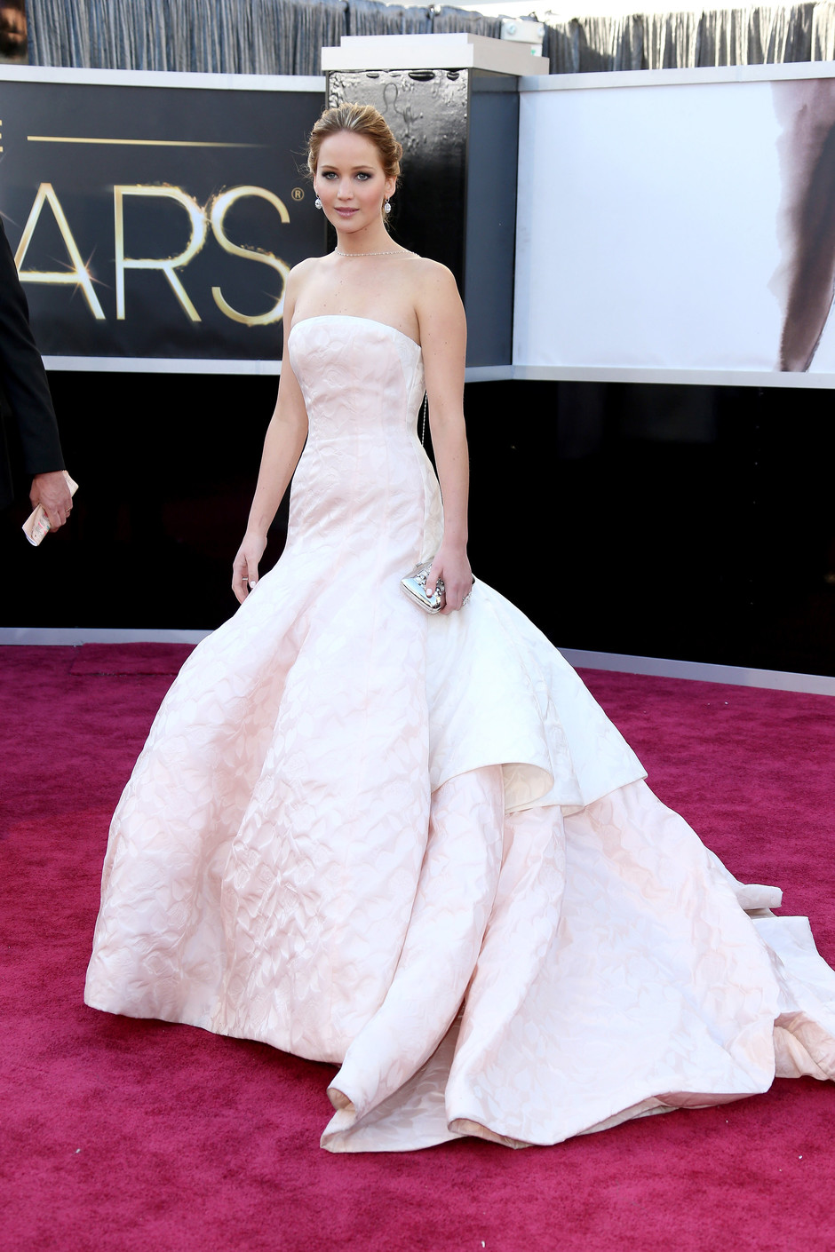 Белые платья