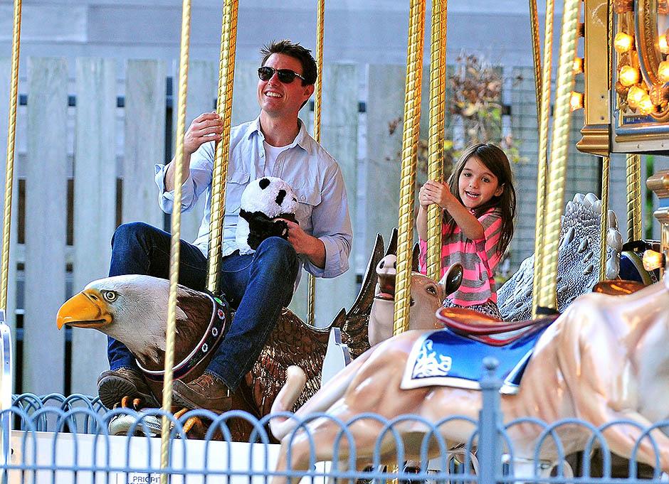 Том Круз с дочерью Сури, 2011 год