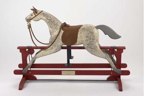 Лошадка, подаренная принцу Георгу Бараком Обамой