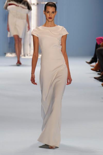 Black tie: показы Carolina Herrera, Reem Acra и Zac Posen на Неделе моды в Нью-Йорке | галерея [2] фото [11]