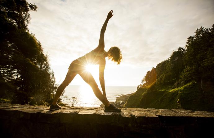 Фитнес-упражнения, которые помогут проснуться