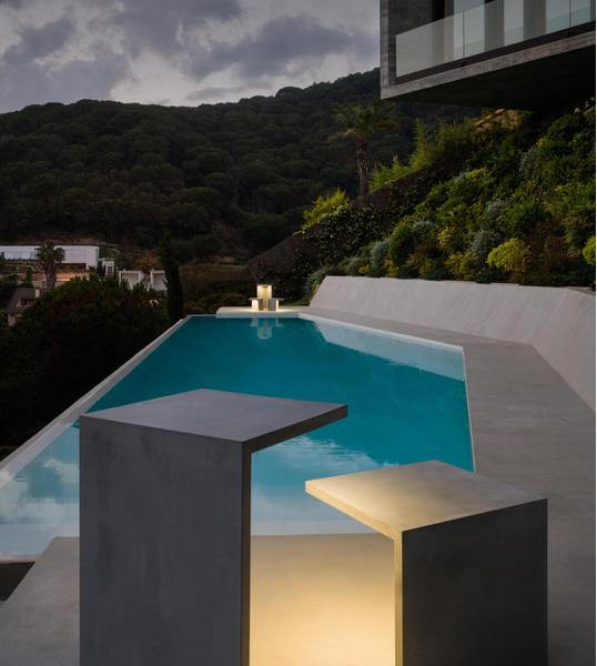 Светящаяся мебель для сада от фабрики Vibia | галерея [1] фото [2]
