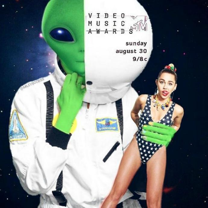 Майли Сайрус станет ведущей церемонии MTV VMA-2015