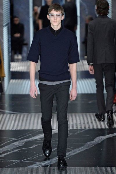 Бренд Prada представил на Неделе мужской моды в Милане сразу две коллекции | галерея [2] фото [16]