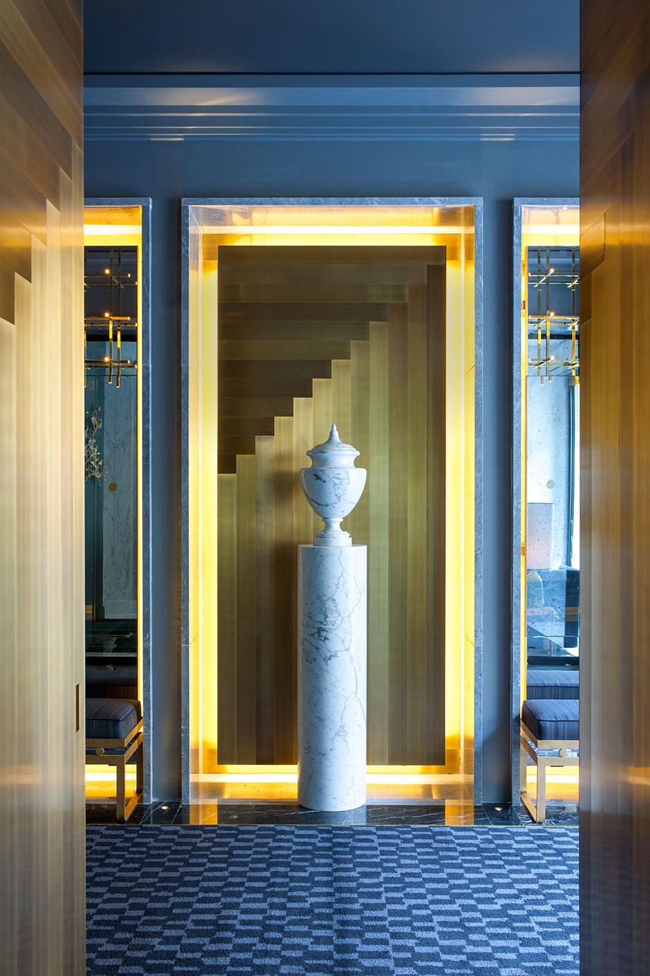 Отель в Париже