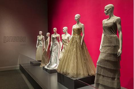 В Далласе открылась выставка Дома Oscar de la Renta