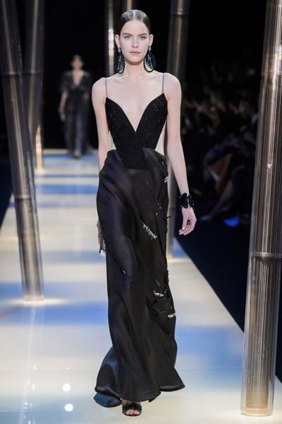 На Неделе высокой моды в Париже прошел юбилейный показ Giorgio Armani Prive | галерея [2] фото [18]
