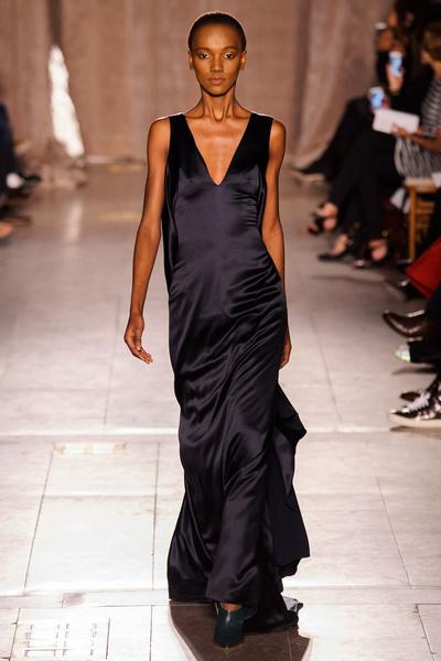 Black tie: показы Carolina Herrera, Reem Acra и Zac Posen на Неделе моды в Нью-Йорке | галерея [1] фото [5]