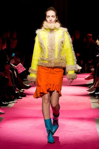 Самые красивые образы Недели моды в Лондоне | галерея [1] фото [93]