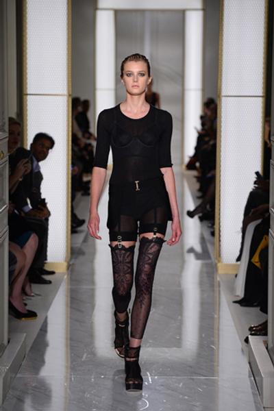 Дебютный показ La Perla на Неделе высокой моды в Париже | галерея [1] фото [8]