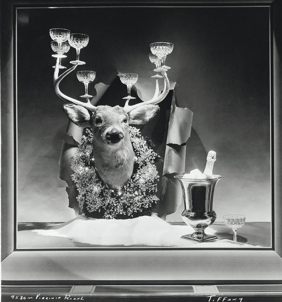 Первая витрина Tiffany & Co. оформленная Джином Муром, 1955 г.