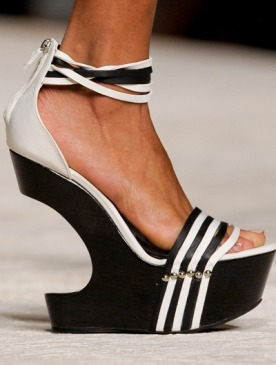 В интернет-магазине ELLE Shopping расширился ассортимент обувных брендов