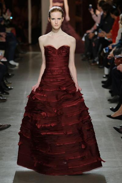 Показ Oscar de la Renta на Неделе моды в Нью-Йорке | галерея [1] фото [12]