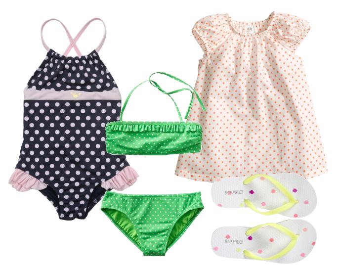 Выбор ELLE : купальник Armani Junior, купальник GAP, платье H&M, шлепанцы Old Navy