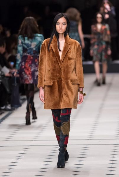 Показ Burberry Prorsum на Неделе моды в Лондоне | галерея [1] фото [26]