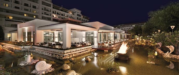 Главный ресторан Enderun отеля Ela Quality Resort