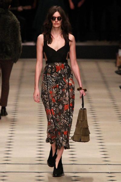 Показ Burberry Prorsum на Неделе моды в Лондоне | галерея [1] фото [4]