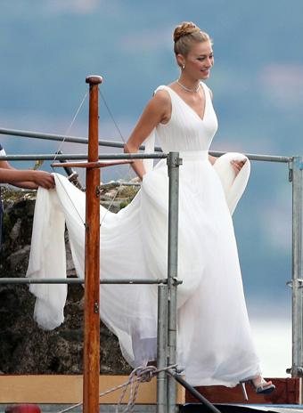 Беатрис Борромео в платье Armani Privé
