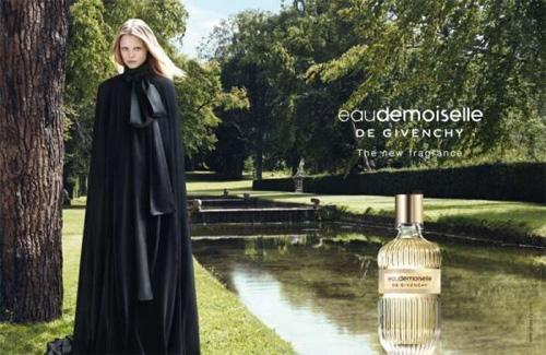 На фото:  Eaudemoiselle de Givenchy
