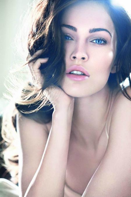 Меган Фокс тоже обладательница идеальных бровей