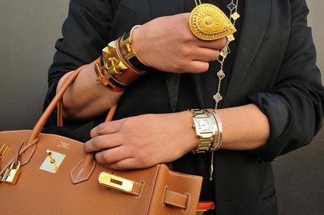 ВРЕМЯ ВПЕРЕД: Как носить часы? | галерея [2] фото [10]