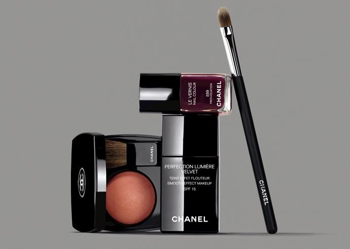 Chanel представили тональное средство с эффектом сияния Perfection Lumière Velvet