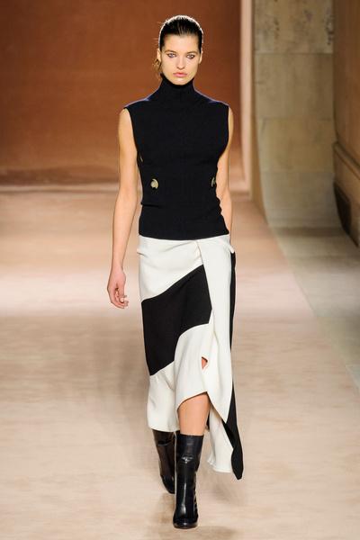 Показ Victoria Beckham на Неделе моды в Нью-Йорке | галерея [1] фото [19]
