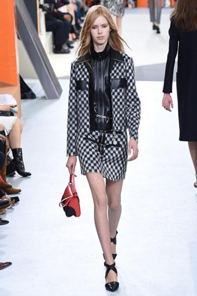 Неделя моды в Париже: показ Louis Vuitton ready-to-wear осень-зима 2015/16 | галерея [1] фото [12]