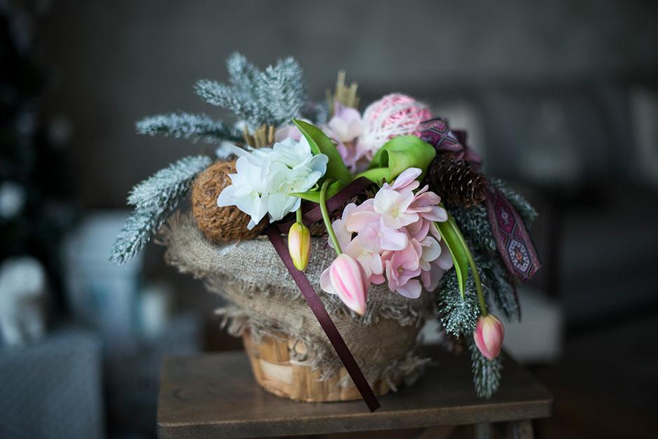 Цветы и ягоды в новогоднем декоре