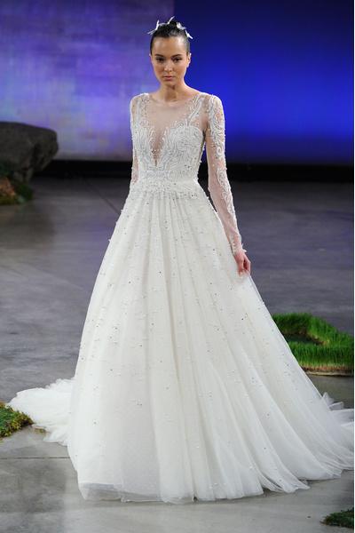 50 самых красивых платьев со Свадебной Недели Моды в Нью-Йорке | галерея [1] фото [35]