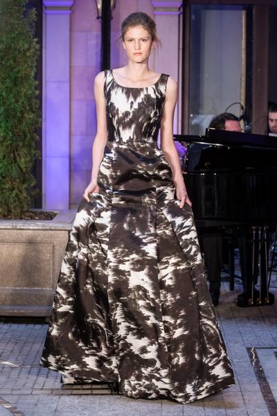 В Москве прошел показ вечерних платьев Rasario