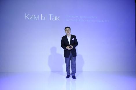 Смарт-fashion: Samsung выступил на Неделе моды в Москве | галерея [1] фото [6]