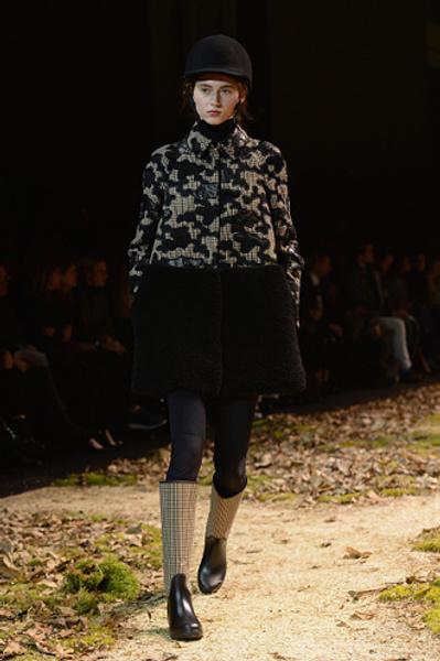 Неделя моды в Париже: показ Moncler Gamme Rouge осень-зима 2015/16 | галерея [1] фото [7]