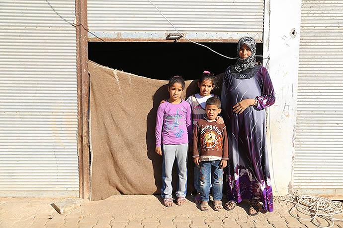 На средства, пожертвованные Сашей и Айлой, можно будет привить от кори около 250 тысяч сирийских детей