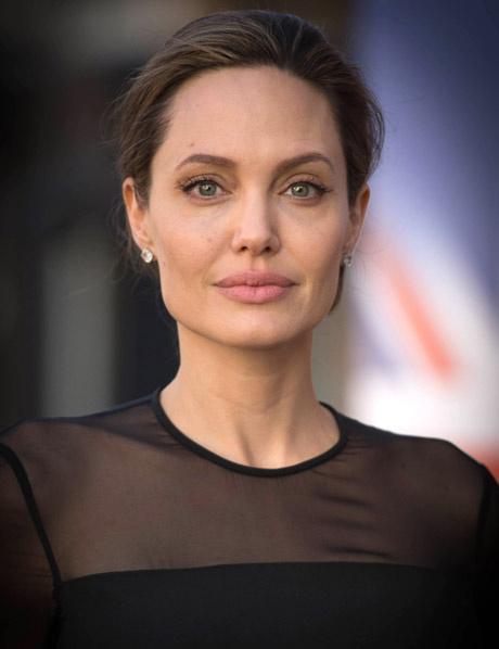 Анджелина Джоли, квадратный тип