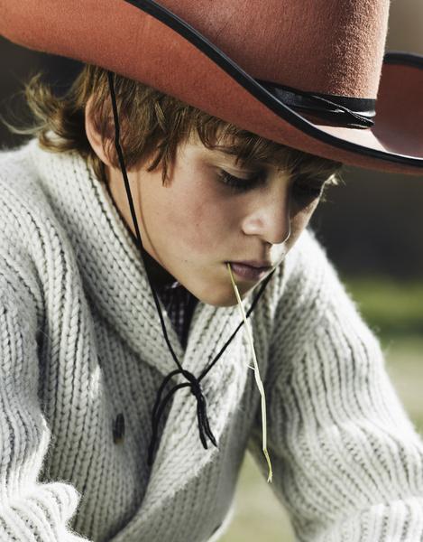 На Никите: свитер, Bonpoint; рубашка, Trussardi Junior