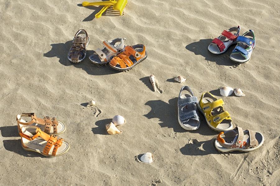 обувь на песке